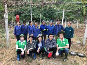 Sinh viên trường Đại học Y Hà Nội Khoa Dược xuống thực nghiệm tại trang trại Hữu Cơ Hòa Bình