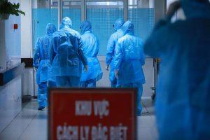 Bác sĩ đầu tiên ở Việt Nam bị lây nhiễm chéo